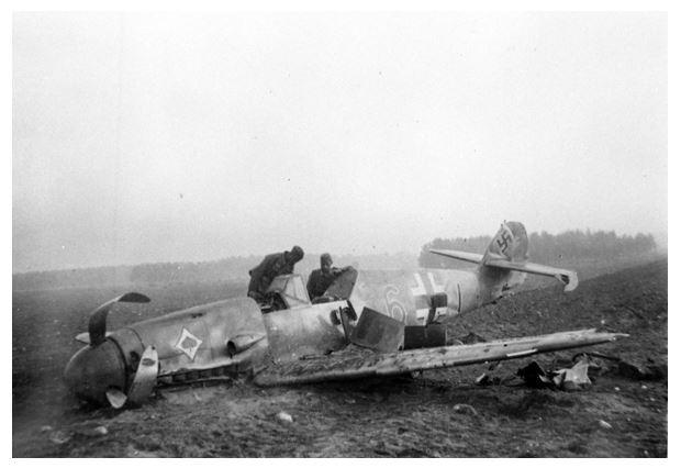 Notgelandete Me109 von dem JG53, Ort unbekannt